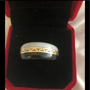 Black Onyx, White Agate and 14K Gold Band Ring size 9
